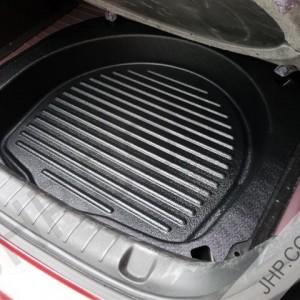 Holden VE Spare Wheel Storage  2
